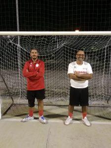 A destra in maglia bianca mister Gabriele Lorenzini, a sinistra l'assistente e dirigente Mirco Rossi